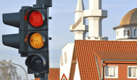 A stoplight signaling to stop